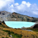 草津白根山2018は噴火警戒レベル2規制中。観れるなら観てみたい湯釜